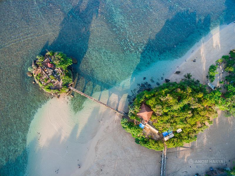Pantai Balekambang dari Langit