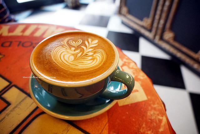 love peace cafe